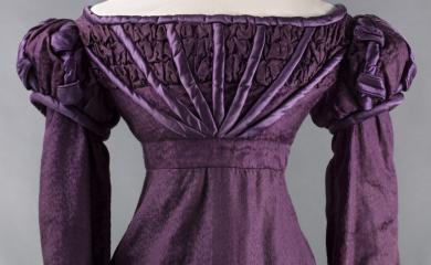 Robe habillée, vers 1824 © Julien Vidal / Galliera / Roger-Viollet