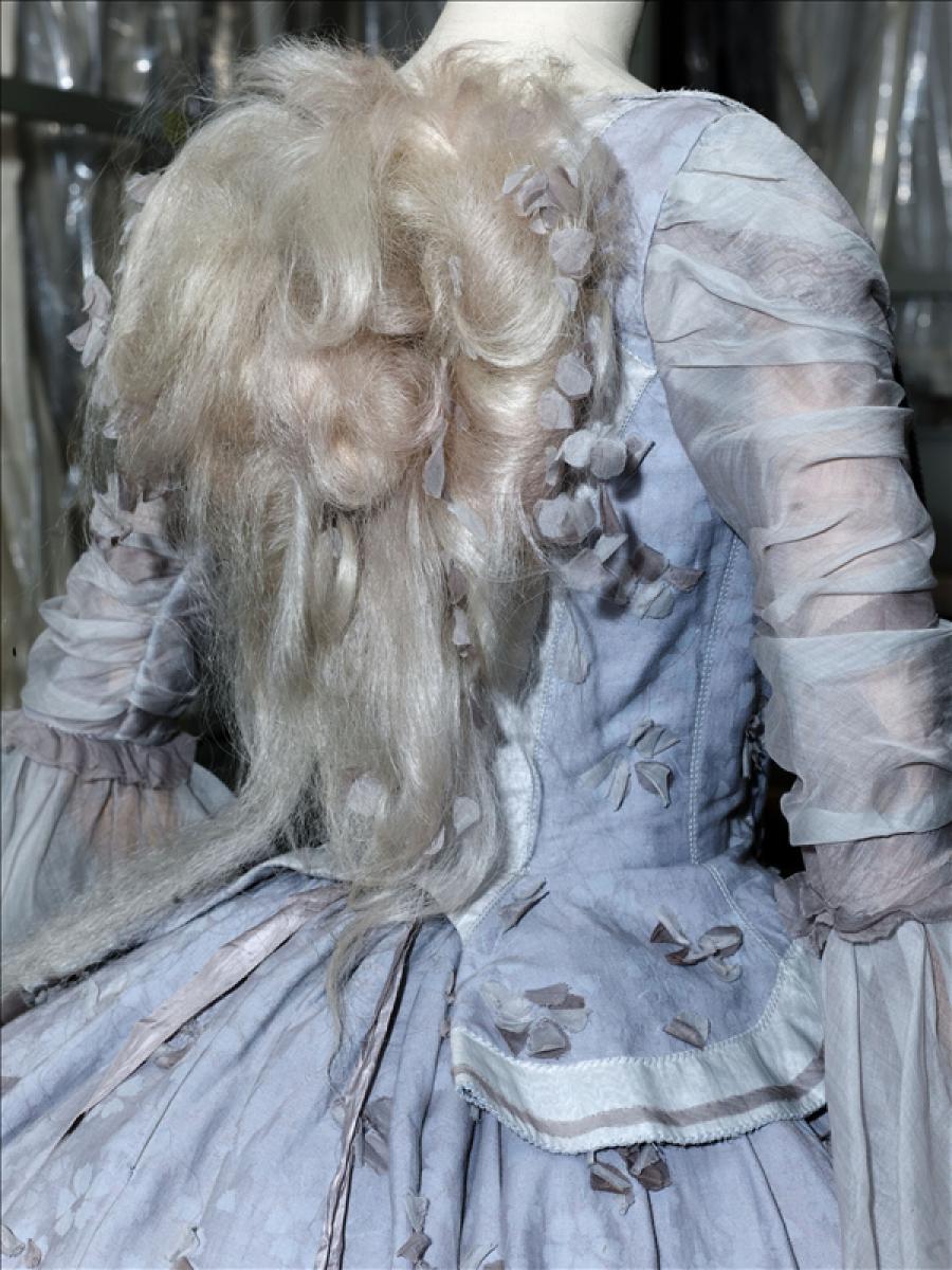 Marie Antoinette\' dress, Rochas par Olivier Theyskens | Palais ...