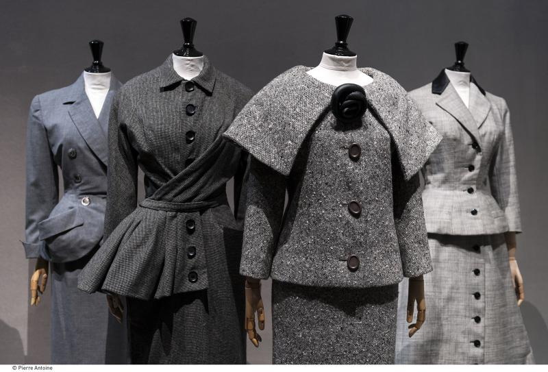 les ann es 50 palais galliera mus e de la mode de la ville de paris. Black Bedroom Furniture Sets. Home Design Ideas