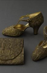 Pair of T-bar shoes and evening purse, Perugia © Stéphane Piera / Galliera / Roger-Viollet