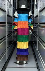 Dress, Issey Miyake  © Eric Emo / Galliera / Roger-Viollet