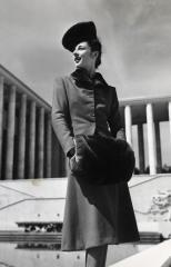 """""""Molyneux ensemble, hat by Lord & Taylor, Palais de Tokyo and Musée d'Art Moderne de la Ville de Paris"""", by Jean Moral © Jean Moral"""