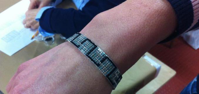 """Atelier """"Mon bracelet Art déco"""". Photo : © Doris Arlot / Galliera"""