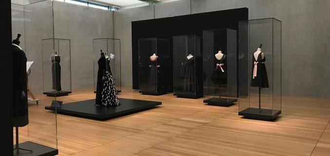 'Balenciaga in Black' at Kimbell Art Museum © Kimbell Art Museum