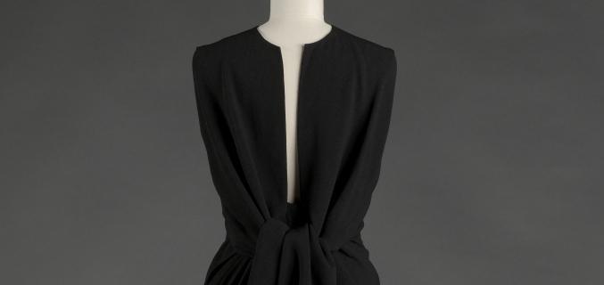 Balenciaga, ensemble soir, robe et boléro, 1964 (détail, vue de dos). Collection Palais Galliera - © E. Emo et A. Llaurency / Galliera / Roger-Viollet