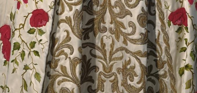 Pierre Balmain. Robe du soir bustier « Antonia » haute couture P/E 1954. © J-M Manaï, C Milet / Galliera