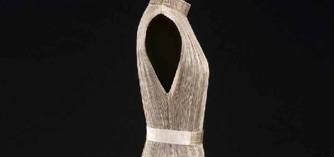 """Mariano Fortuny, """"Delphos"""" dress, circa 1919-1920.  From the Palais Galliera's collections. © Stéphane Piera/ Galliera / Roger-Viollet"""