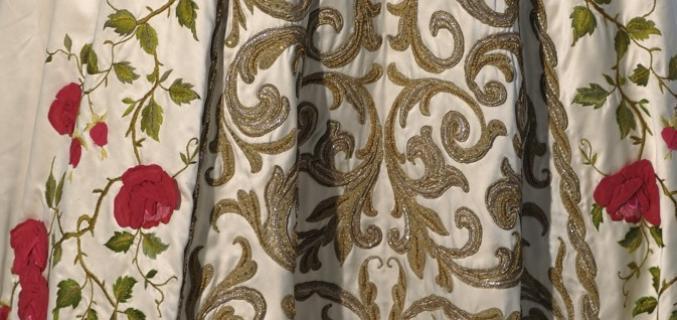 Pierre Balmain. Robe du soir bustier « Antonia » haute couture P/E 1954. © J-M Manaï et C Milet / Galliera