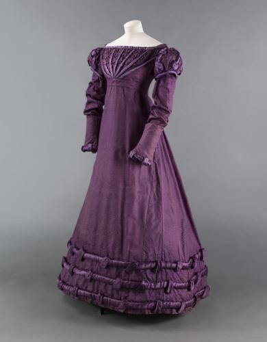 Gown, circa 1824 © Julien Vidal / Galliera / Roger-Viollet