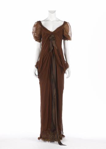 Long gown, Christian Lacroix © Françoise Cochennec / Galliera / Roger-Viollet