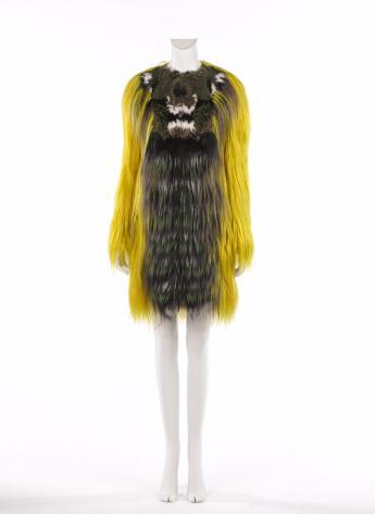Manteau, Fendi par Karl Lagerfeld © Françoise Cochennec / Galliera / Roger-Viollet