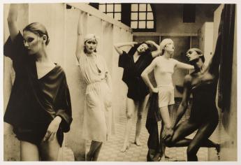 'Bathhouse, Vogue, New York, 1975' par Deborah Turbeville © Deborah Turbeville