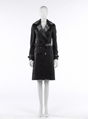 """The Punk Sandringham"" trench-coat, Burberry by Christopher Bailey © Françoise Cochennec / Galliera / Roger-Viollet"