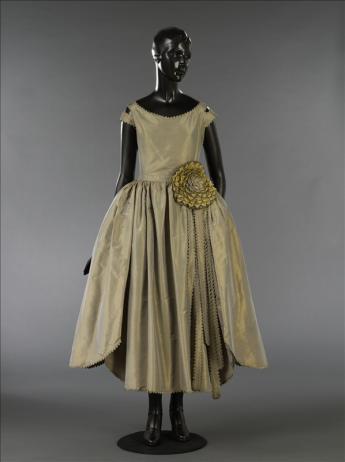 """vue de la robe de style """"Marjolaine"""""""