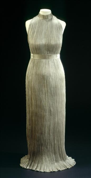 """vue de la robe """"Delphos"""", Mariano Fortuny"""