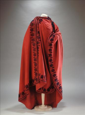 'The People's representative' coat © L. Degrâces et Ph. Joffre / Galliera / Roger-Viollet