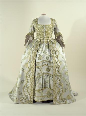 picture: sack-back gown