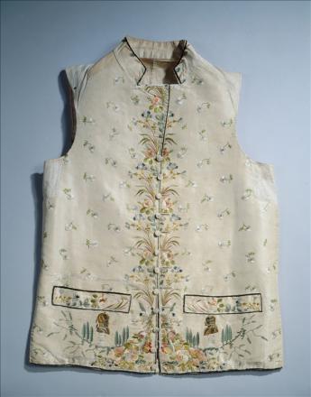 'Voltaire & Rousseau' waistcoat  © L. Degrâces et Ph. Ladet / Galliera / Roger-Viollet