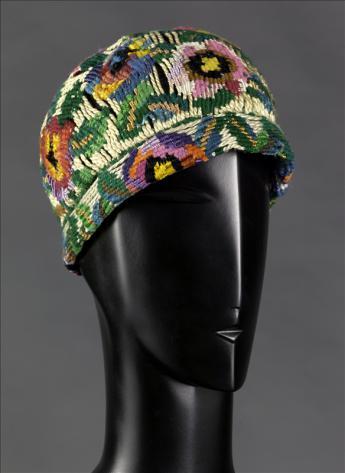 Bonnet, Paul Poiret © Eric Emo / Galliera / Roger-Viollet