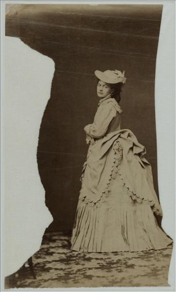 View of a model for the illustrators of La Revue de La Mode
