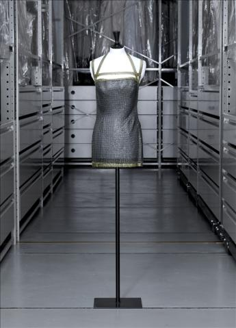 vue de la robe courte, Paco Rabanne