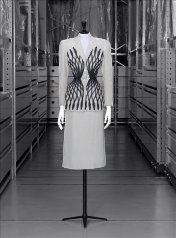 'Esperanto' suit, Carven