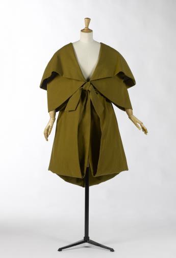 Belted coat, Sybilla