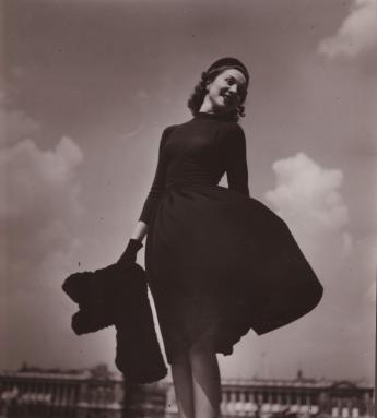 """Alix dress, Place de la Concorde, Paris"", by Jean Moral © Jean Moral / Paris Musées, Palais Galliera"