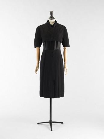 Robe et boléro, Balenciaga, haute couture 1938. © Françoise Cochennec / Galliera / Roger-Viollet