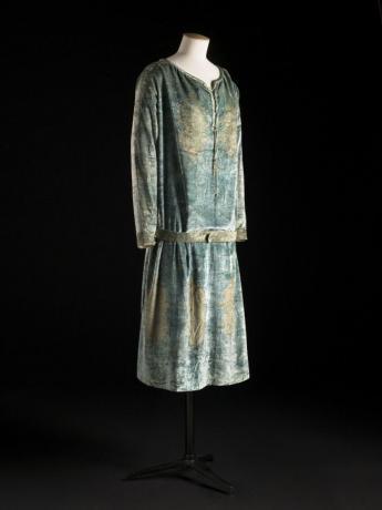 Dress and belt, Mariano Fortuny © Julien Vidal / Paris Musées, Palais Galliera