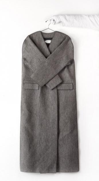 Coat and hanger, Martin Margiela © Françoise Cochennec / Galliera / Roger-Viollet