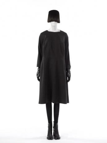 Robe « oversize », Martin Margiela. © Françoise Cochennec / Galliera / Roger-Viollet