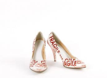 """Fragile"" high heels, Martin Margiela © Françoise Cochennec / Galliera / Roger-Viollet"